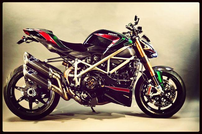 Ducati Ducatistreetfighter ohsomeee