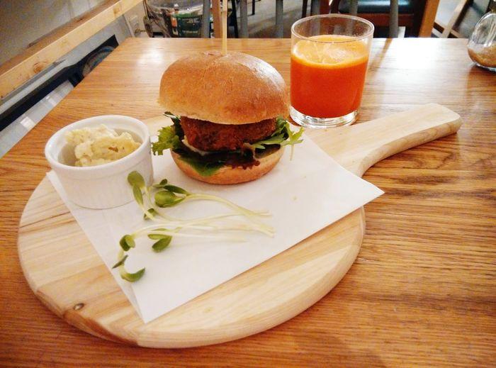 Vegan Burger Juice Meal Foodporn