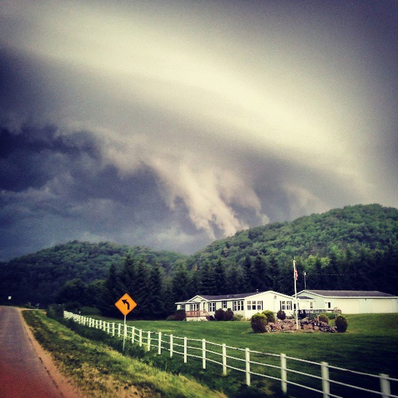 Storm Harpersferry Insane Clouds Tornado Stormchasing Beautiful Nature Awesome Ilovethesky Skyart Earth Is Awesome