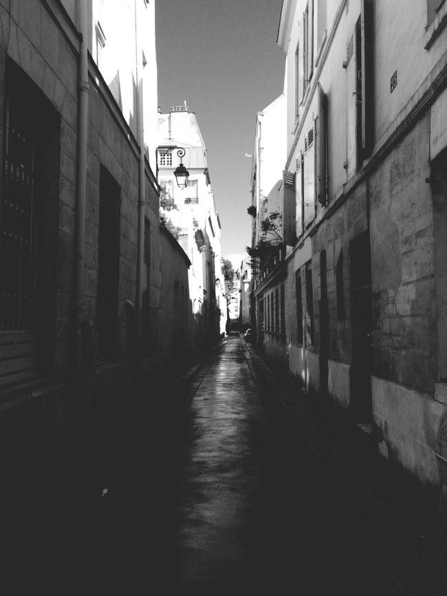TheMinimals (less Edit Juxt Photography) Blackandwhite Streetphoto_bw Bw_collection