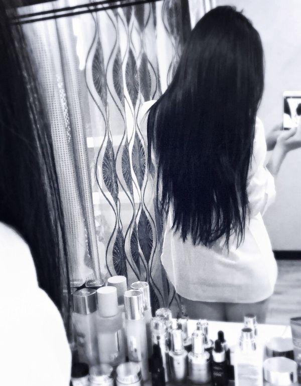 White Shirt Necked Long Hair Back Black And White