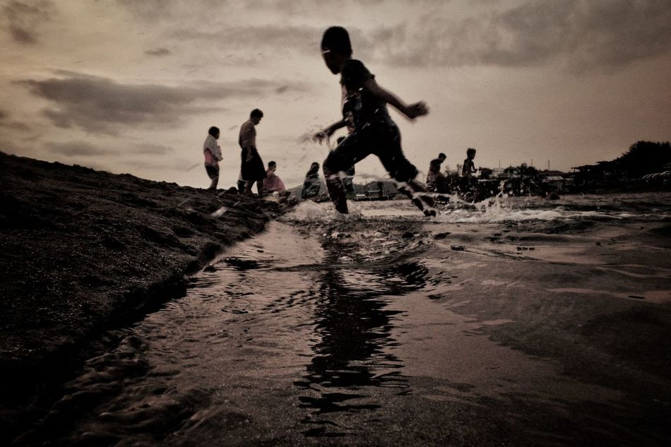 Eyeem Philippines Capture The Moment Outdoors Beach Travel Destinations Street Street Photography People Streetphotography Monochrome The Street Silhouette Photography Low Angle View