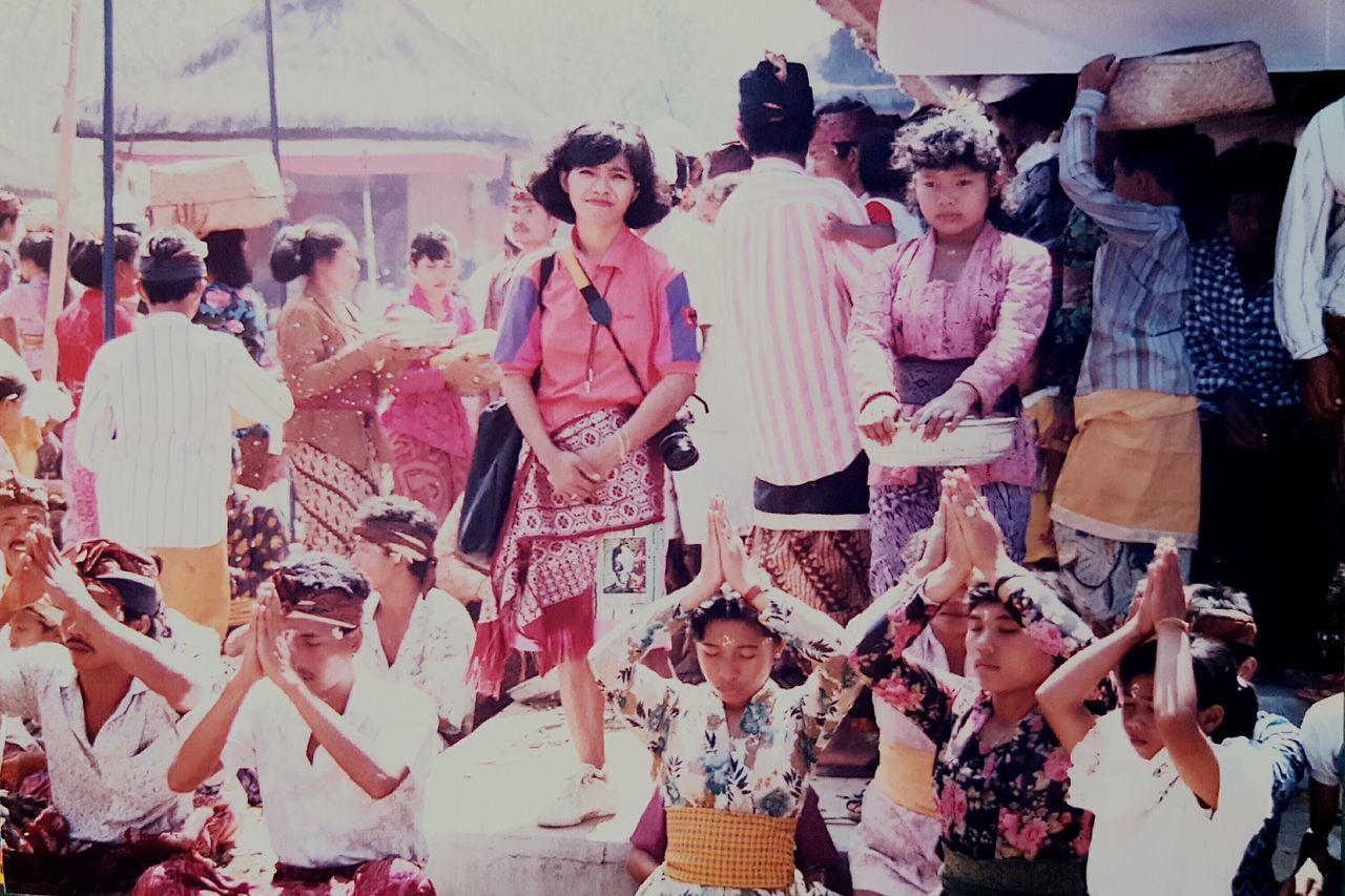 Women Large Group Of People People Outdoors Audience Crowd Wonderfulindonesia INDONESIA Indonesia Culture Indonesia Traditional Culture Of Indonesia Culturephotography Traditionalmarket Traditional Ceremony
