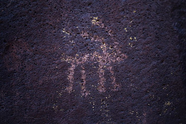 Petroglyphs Outdoors Cave Cave Drawings Drawing Art Nature Textured  No People The Great Outdoors - 2017 EyeEm Awards Ancient Ancient Civilization Native Full Frame Nature Backgrounds Mountains Photography Travel California Best Of EyeEm