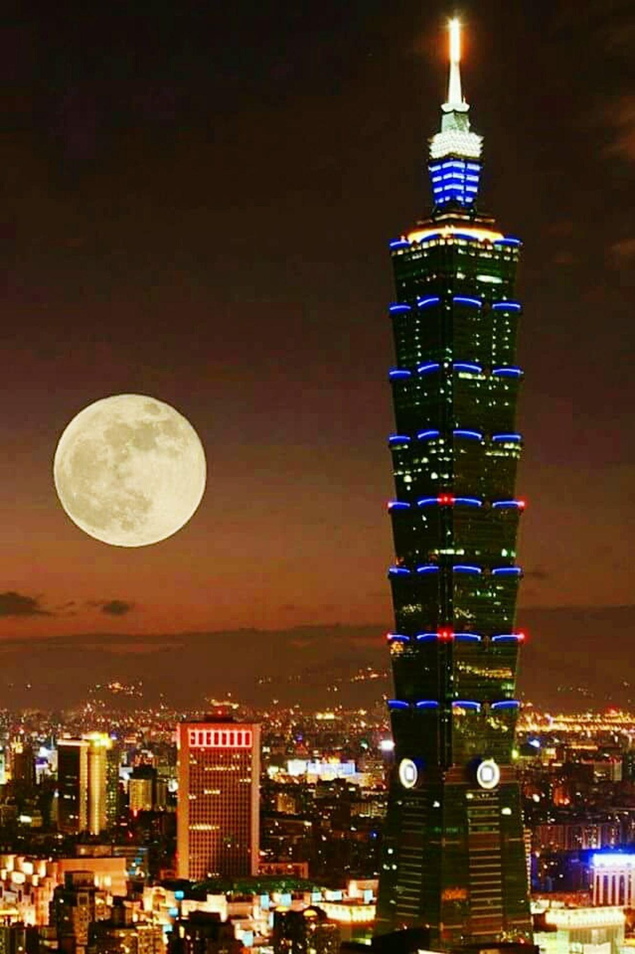 Moon Night City Building Exterior Outdoors Sky Tower Taipei101 Astronomy Moon Surface Full Moon Supermoon Wonderful Moment Taipei, Taiwan Street Light Light And Dark Urbanphotography EyeEm Nature Lover Nikon_photography_ EyeEm Best Edits Wonderful Time Wonderful Nature