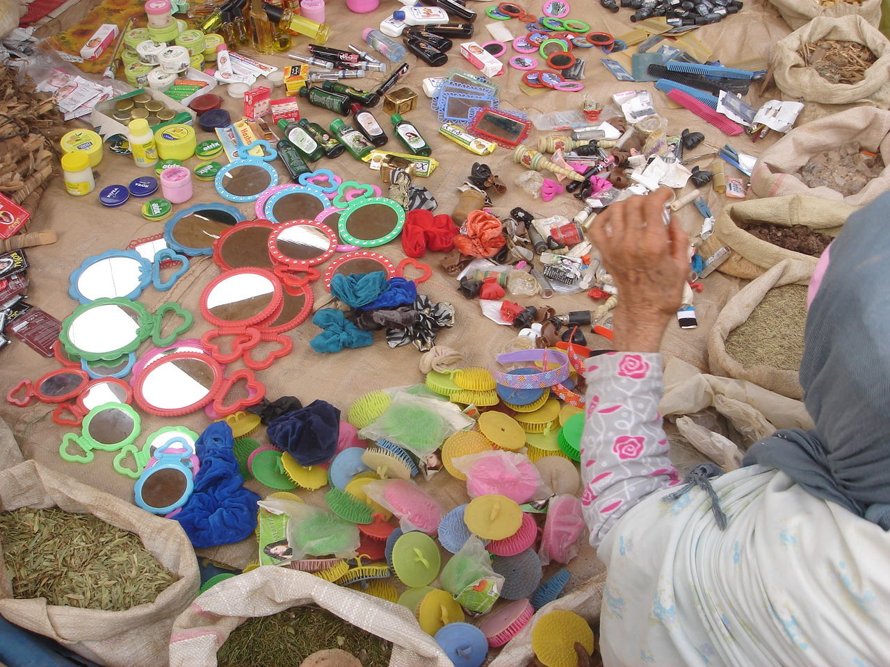 Adult Adults Only Choice Crowd Day High Angle View Large Group Of Objects Main Maquillage Market Stall Miroir Multi Colored Outdoors People Produits Souk Vieille Femme