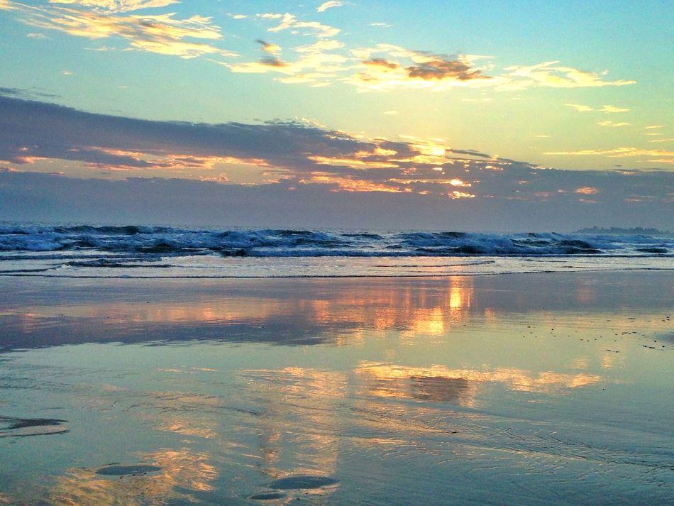 Reflection Sky Sunset Sea Beach Coastline Sunset_captures Sunset_collection Sunset Lovers Reflection Gold Coast Queensland Sunset Silhouettes Australia Beachphotography Ocean Cloud - Sky Beauty In Nature Idyllic Horizon Over Water Freedom Scenics Tranquil Scene