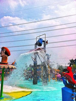 Hanging out at Depok Amazing Fantacy Water Park by mtb_17