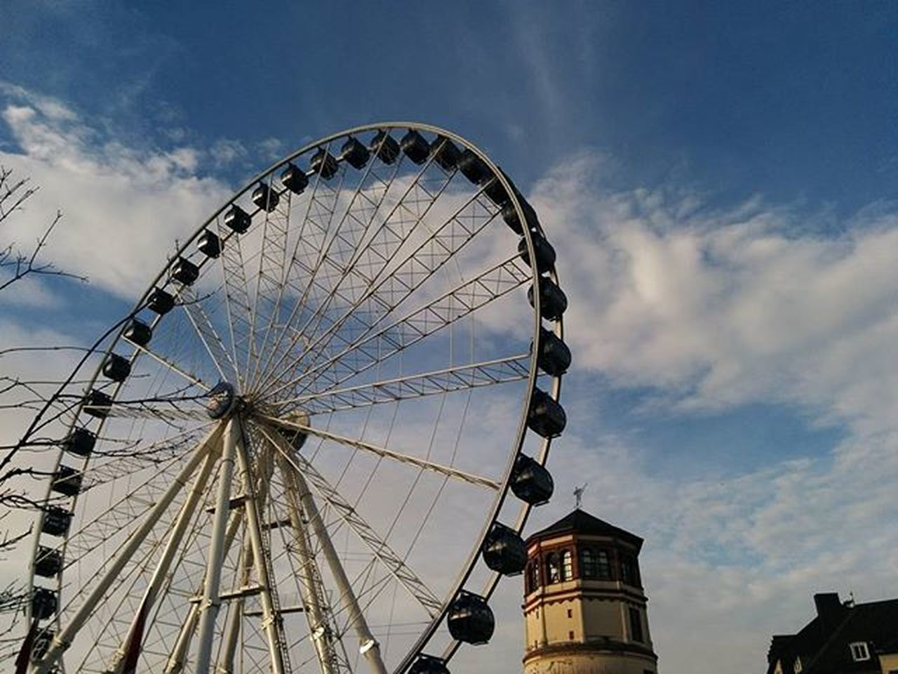 🎡🎈🎅 Düsseldorf Germany Germany Photos Official EyeEm © Dusseldorf Christmas Christmas Christmas Time Ferris Wheel Ferris Wheels Clouds Clouds And Sky Cloudy Day Tower