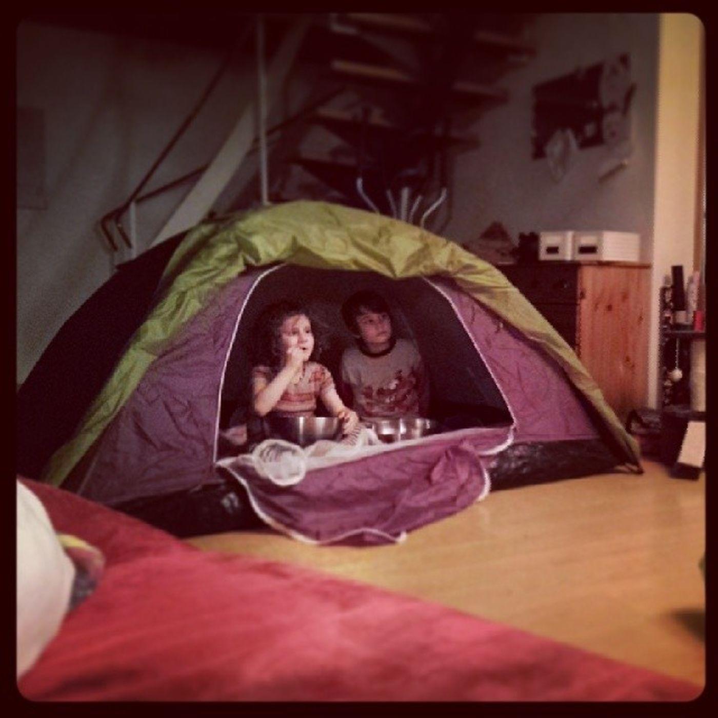 Heute Indoorcamping :) Inmylivingroom Cgbjanuary14