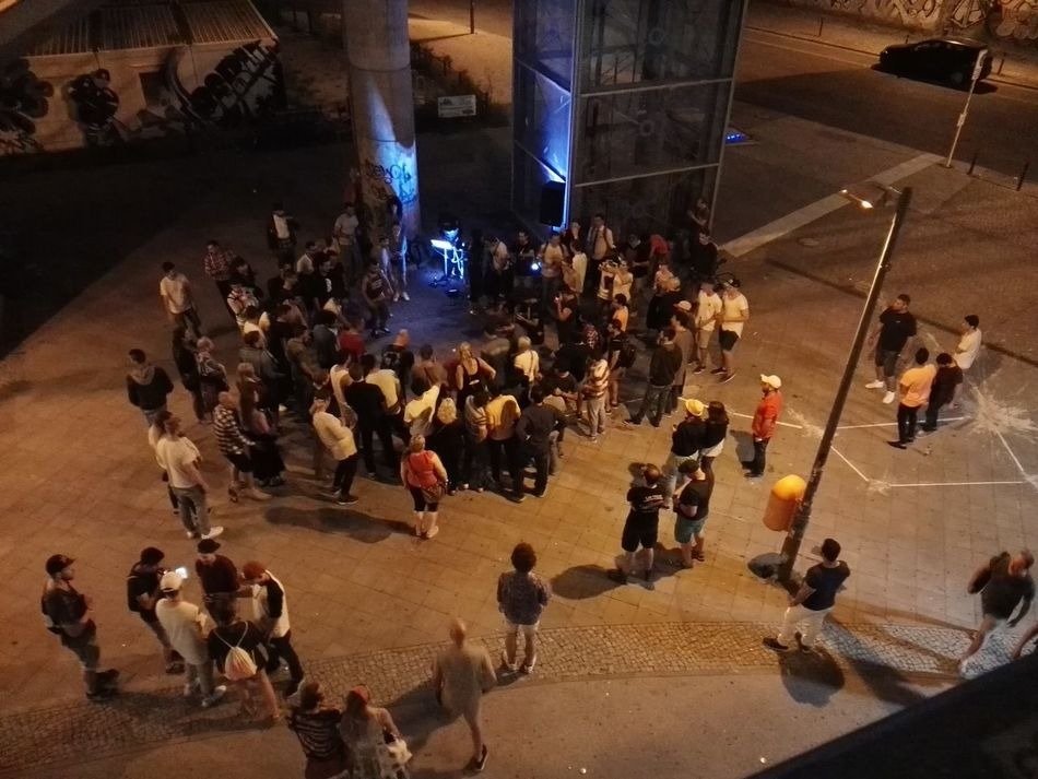 Berlin Warschauer Straße Warschauerbrücke People Dance Street Dancers Streetdance Crowded Street Crowd Urban Music