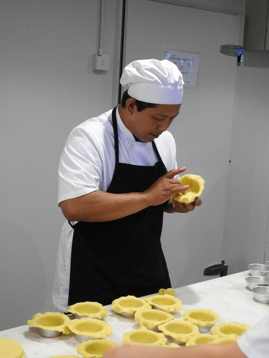 Gravy Baby Taman Desa Kuala Lumpur Malaysia Making Pie Chefs Busy Hands Chefs Hat Restoran Orderly Pie Makin' In The Kitchen Restaurant Kitchen Preperation Time To Dine Atmosphere The Kitchen Dining Out Lunch Great Food Restaurant Good Food Clean Great Staff Best Pies In Kuala Lumpur