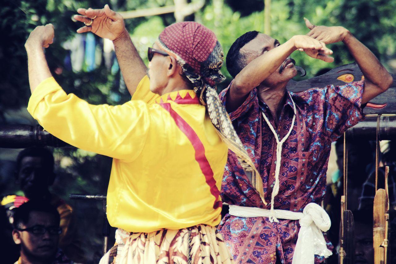 Dance Like Nobodys Watching. Love Like Youve Never Been Hurt. Sing Like Nobodys Listening. Live Like Its Heaven On Earth. Culture #art #design #arturbain #urban #dessin #peinture #streetart #artderue #graffitti #tag #tags #tagstagramers #mural #murales #wallart #photographer #photography #artvisuel #artvisual