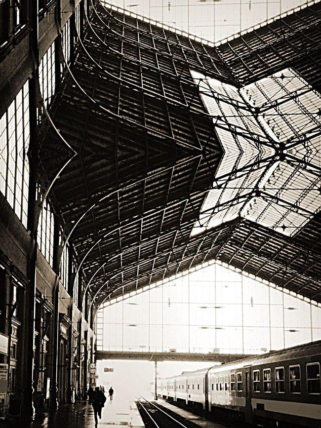 Train Station Looking To The Other Side Railway Station The Architect - 2015 EyeEm Awards Black And White Blackandwhite Photography Architecture Amazing Architecture Budapest Eiffel Nyugati