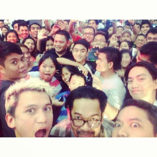 Groupie with Sponge Cola... <3 Find me! <3 LOL.. Fangirl mode on.. LevisPh Spongecola Photooftheday Igers igdaily happiness