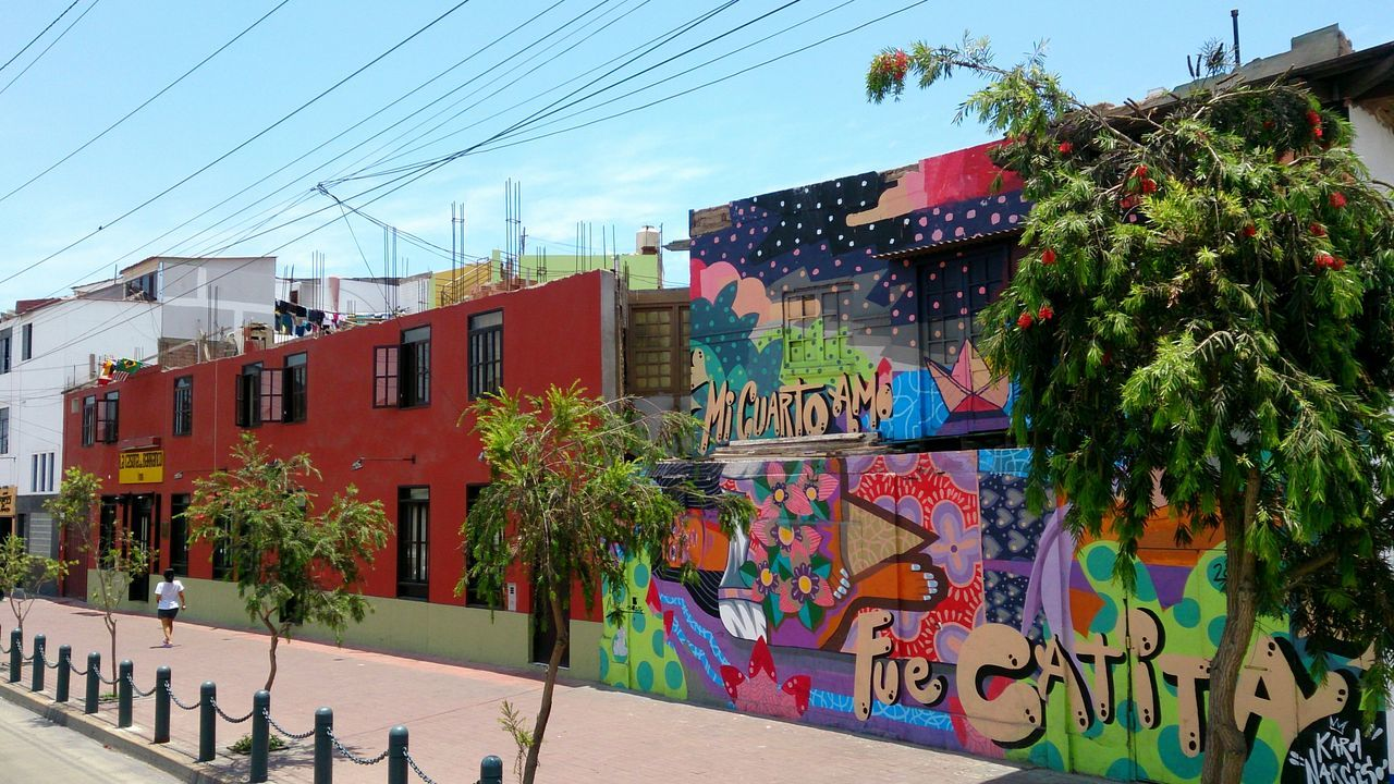 Graffiti Wall at Barranco, Lima, Peru Lima-Perú Here Belongs To Me Mobilephotography Mobile Photography Sony Xperia Zr Graffiti Wall Walking Around City Latin America City View  Perspective Urban Exploration Urban Photography City Street City Life Street Photography Streetphotography Colorful