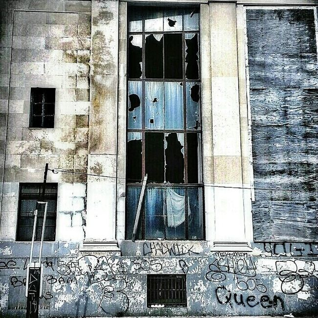 Killer Queen... Abandoned Buildings AMPt - My Perspective AMPt - Abandon Windows