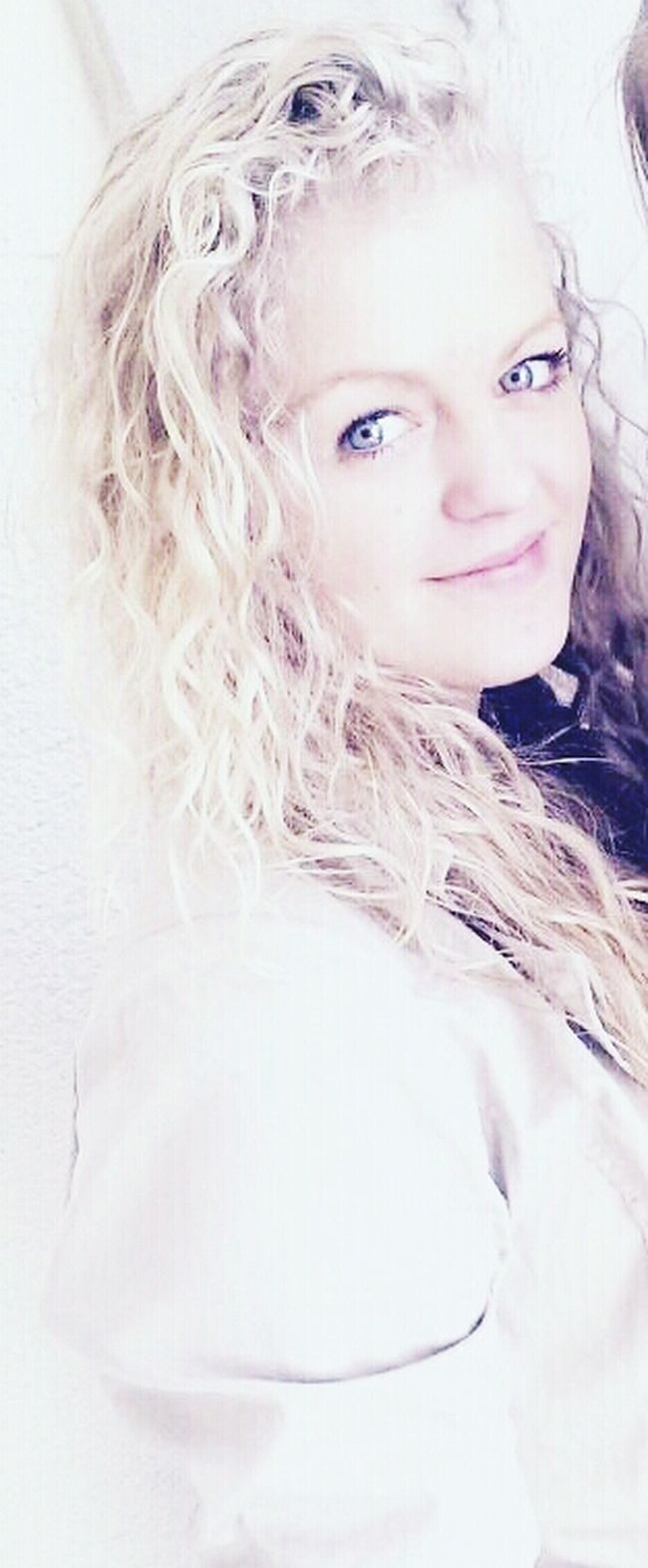 That's Me Live Your Life *-* Long Blond Hair Smile ✌