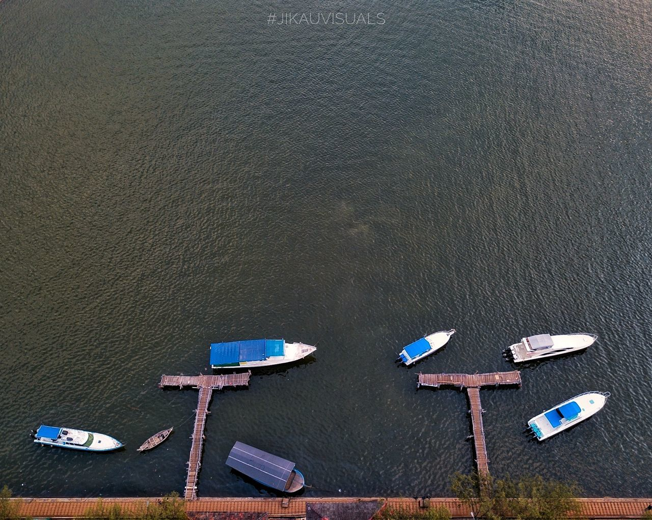 Boats!.. High Angle View Beach Day Outdoors Mavicpro Mavic Pro Aerial Shot Aerialphotography Aerial Shots Dronephotography Droneshot Drones Drone Dji Dronestagram Dronepic Dronepointofview Droneoftheday Drone Fly Dronefly No People Close-up First Eyeem Photo