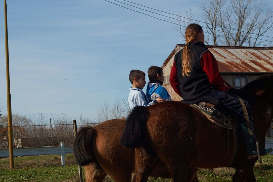 Small Town Storys Beutiful Scene Hanging Out Sony A58 Family Time Horse Riding
