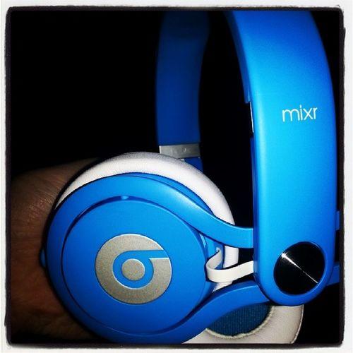 Gros cadeaux que je me suis fait ! :D BEATS Mixr Neon Bleu happy !