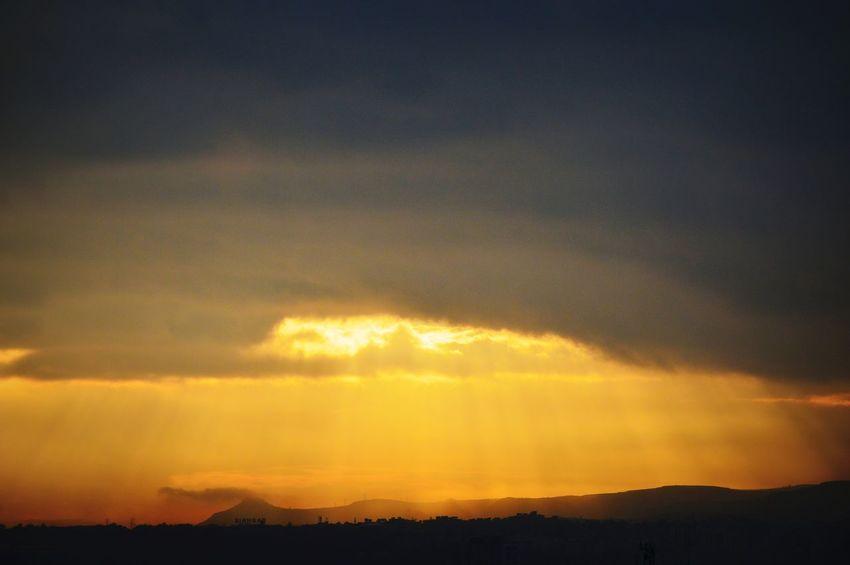 Dramatic Sky Scenics Nature Beauty In Nature Yellowlight Sunrise Freshness Sunrays