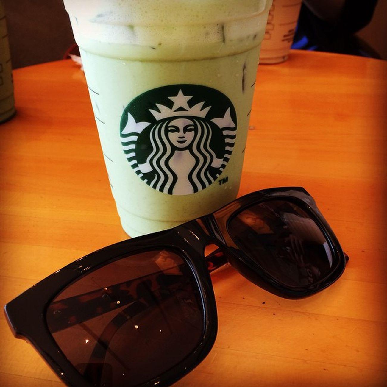 毫好喝~ 📌2014/09/17 Starbucks 星巴克 抹茶拿鐵 墨鏡