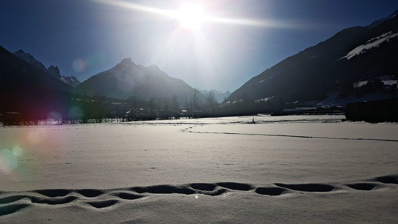 Cold Temperature Nature Mountain Snow Beauty In Nature Winter Outdoors Frozen No People Sky Landscape Day Lights Illuminated Reflection Natur Pur :)  Nature Photography Sunshine Sunlight Natural Phenomenon