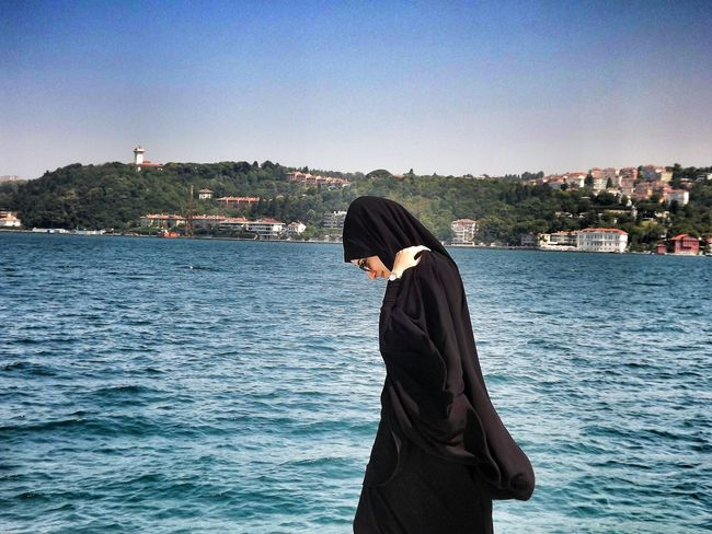 Hikayemde benden iyi birileri olmadı hiç. Standing Clear Sky Lifestyles One Woman Only Nature Tranquility Blue Long Hair Beauty In Nature Sahil First Eyeem Photo Checking In Still Life Young Women This Is Me Fujifilm X-pro2 Waist Up Sarıyer Turkey