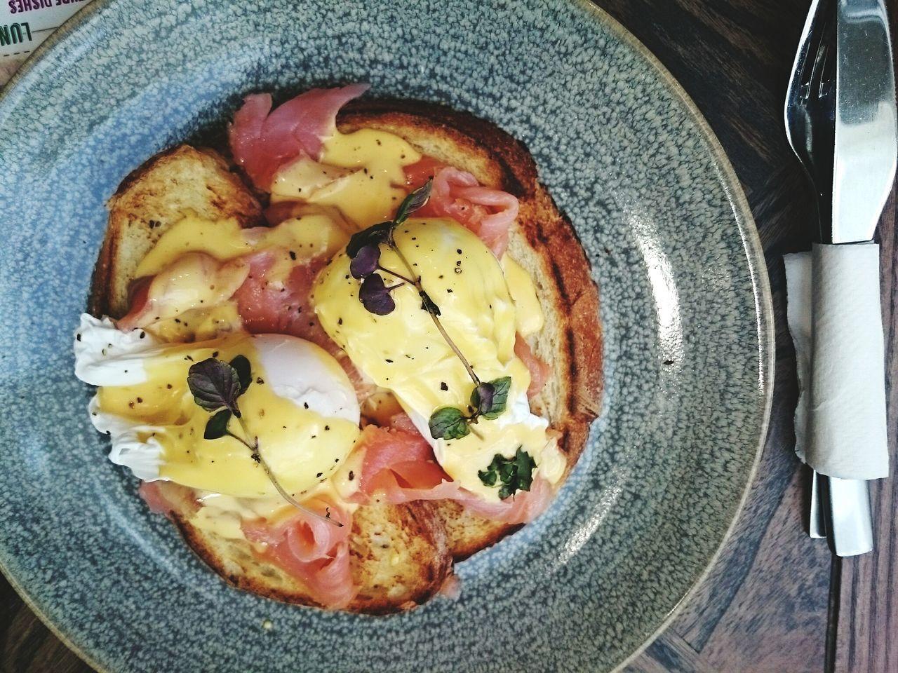 Brekkie. Nom. Foodporn Eggsbenedict My World Of Food Foodphotography Breakfast Breakfast Time Eggs