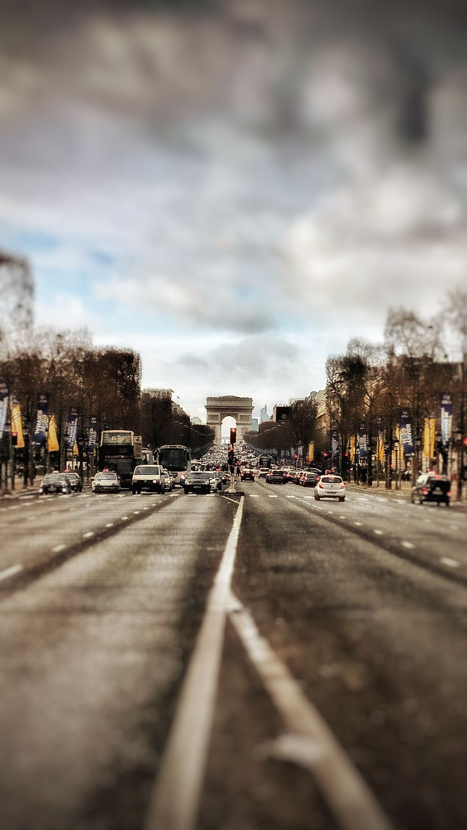 Cloud - Sky City Outdoors Day Tourist Destination Paris Snapseed PhonePhotography France 🇫🇷 Tourism Champselysées Plus Belle Avenue Du Monde