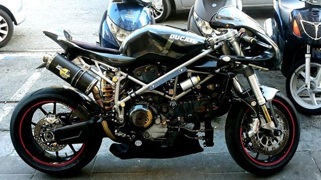 Strana Ducati Found On The Roll