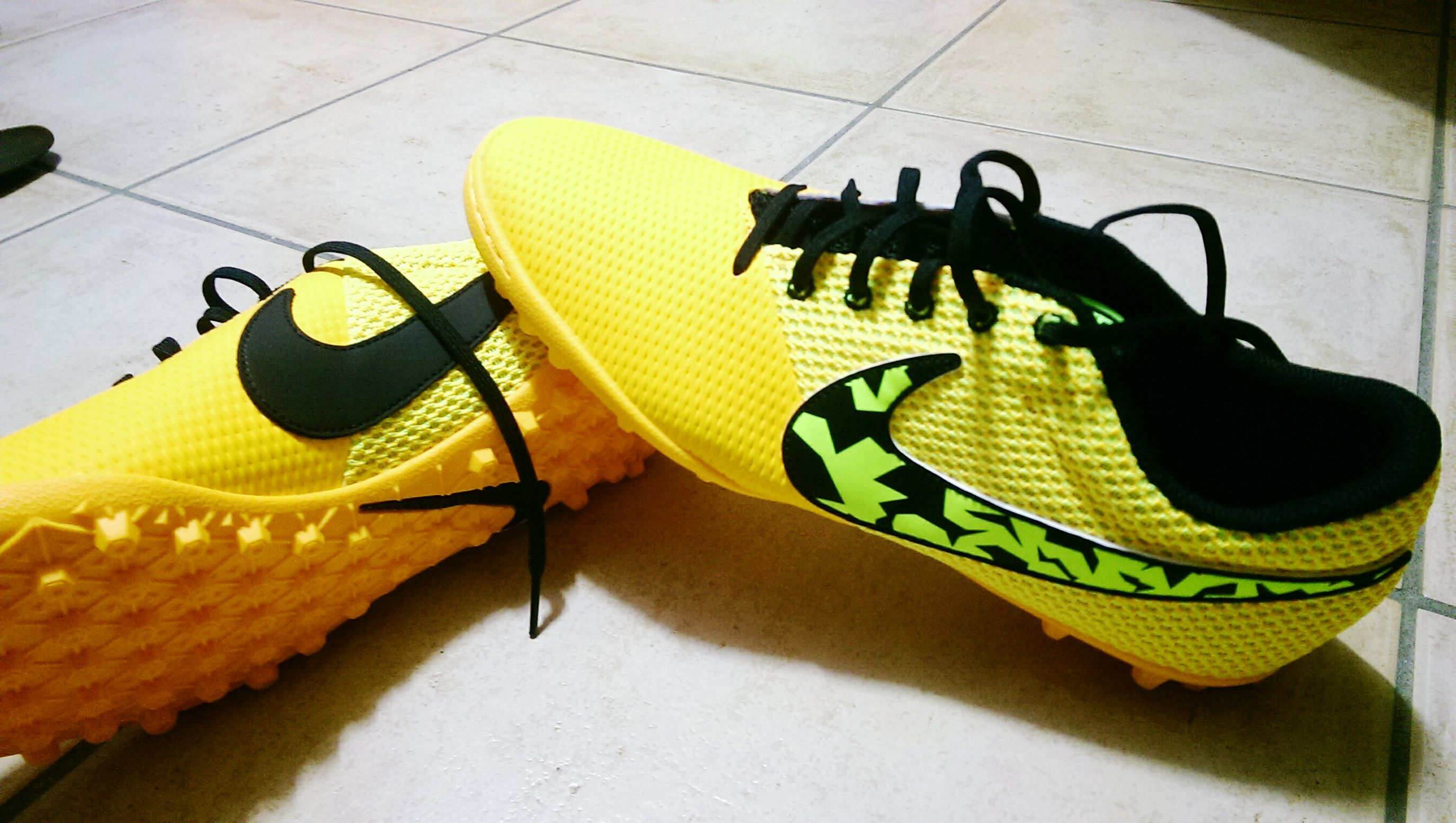 NikeElasticoproIII Football