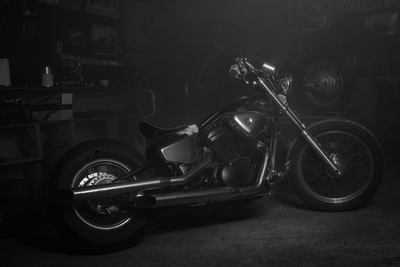Playing around in the garage 📷🏍🛠 Old-fashioned Motorcycle Indoors  NikonD800 Bestoftheday Photooftoday Beautiful Love Eye4photography  EyeEm Best Edits Black & White Blackandwhite Popular Photography Light Shadow Smoke Garage Metal Rock Engine Race Motor Motorcycle Motorsport
