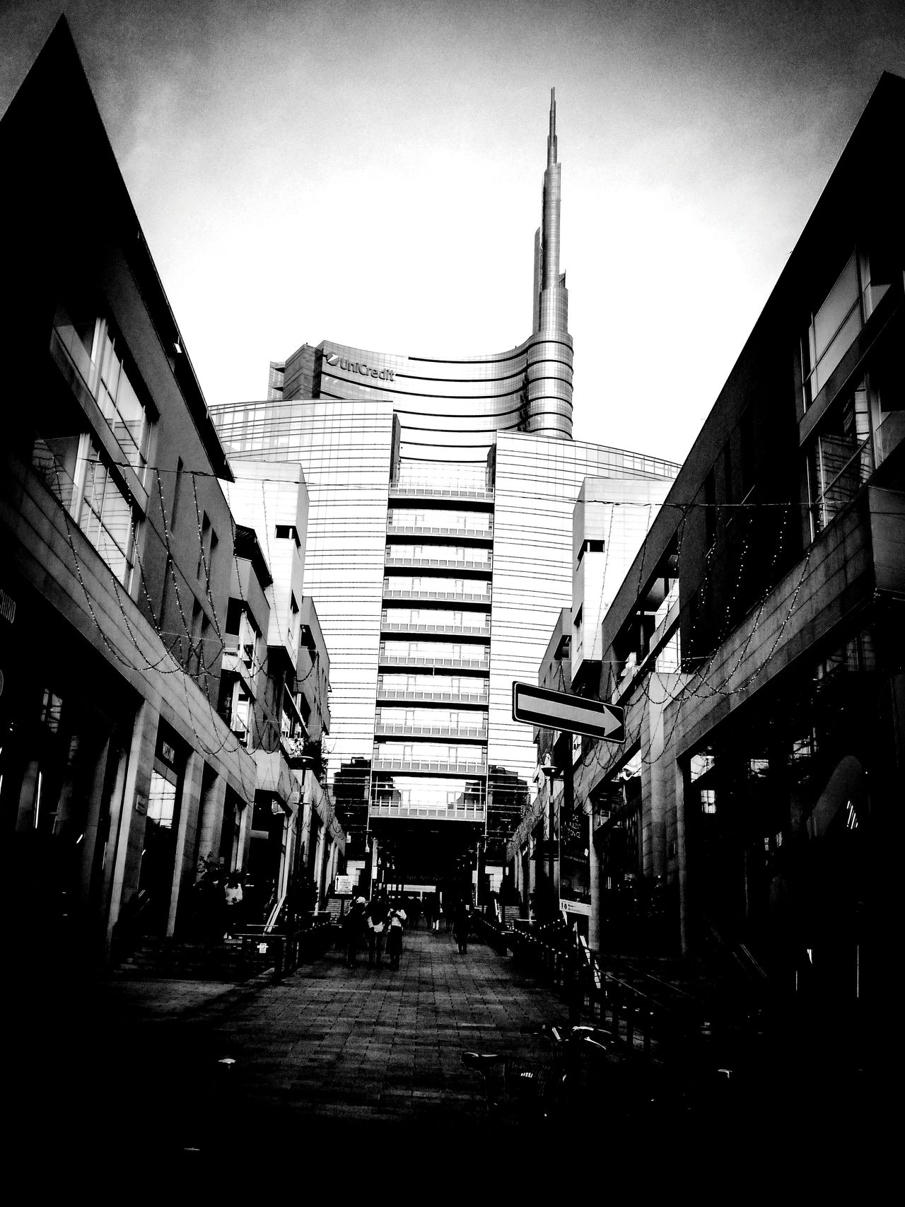 Architecture Built Structure Building Exterior City Sky Outdoors Milano Milan Italy Urban Urban Geometry Urban Landscape Urbanphotography Urban Skyline Urban Lifestyle Urban Exploration Architecture_collection Architecturelovers Blackandwhite Blackandwhite Photography First Eyeem Photo