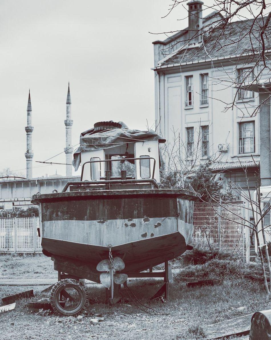 TekneBlack & White Blackandwhite Bw EyeEmTurkey Nikonphotography Istanbuldayasam Turkishfollowers Bwturkey Monochrome