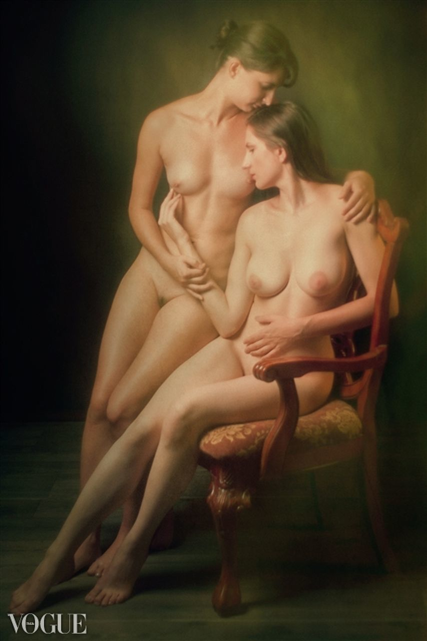 two people, full length, young women, young adult, togetherness, indoors, passion, beautiful woman, sitting, day, people