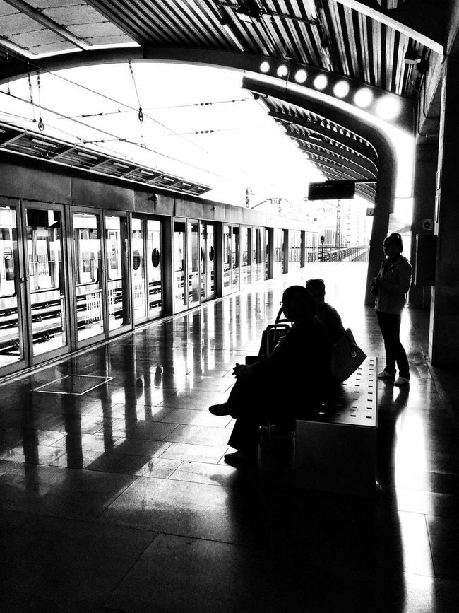 Ciudad Blackandwhite People Simple Moment Black And White Streetphoto_bw Sevilla Bw_collection Monochrome Urban Subway