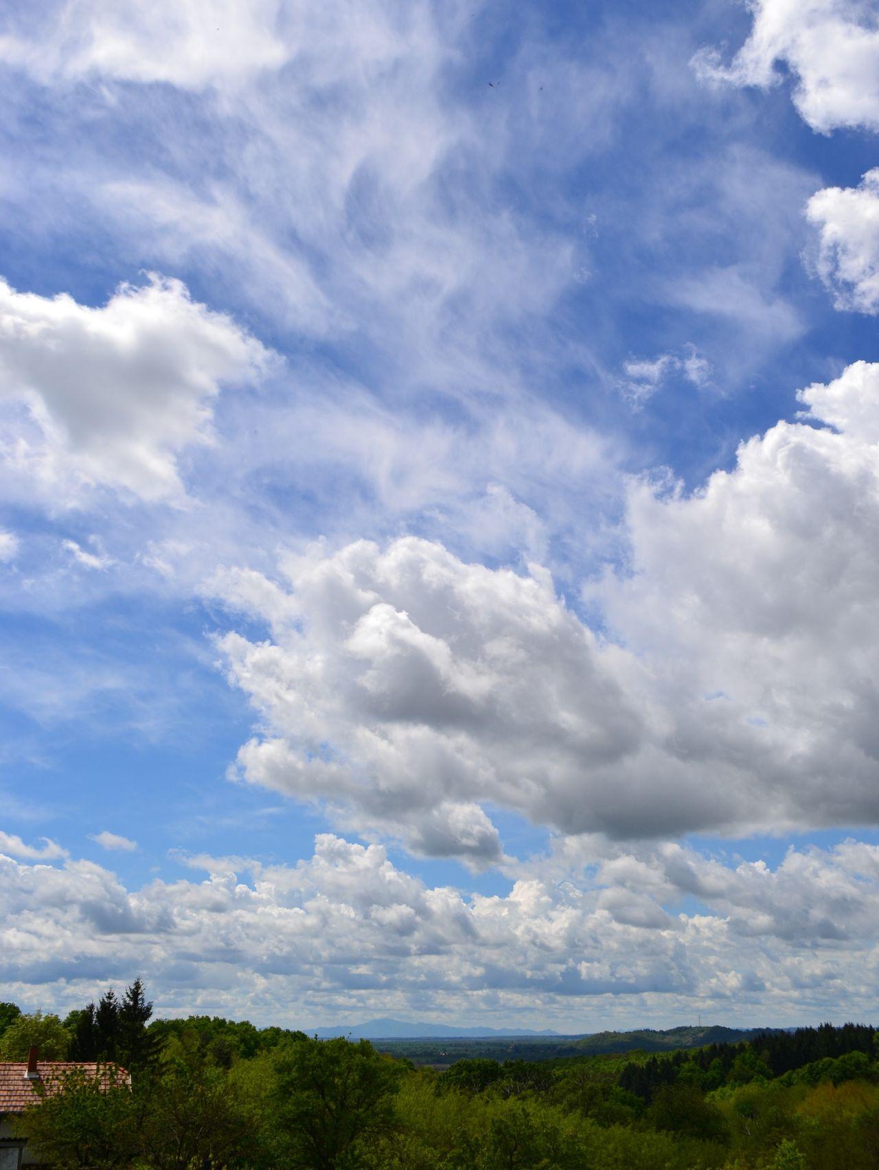 Cloud Cloud - Sky Cloudscape Cloudy Distant Home Moody Sky My Little Hiding Place Outdoors Sky