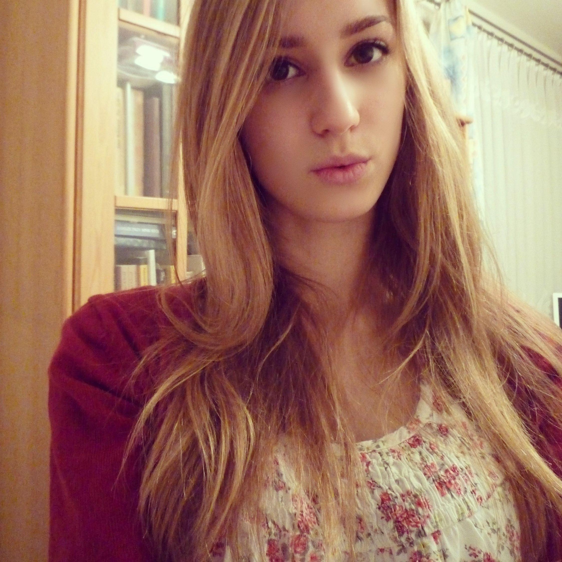 Hello World Girl Polishgirl Likeback Vsco Love  Selfie Beauty