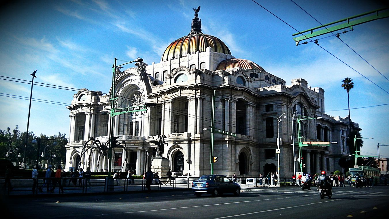 Bellas Artes, México D.F. Architecture Urban Geometry Traveling Holiday Streetphotography Cityscapes Starting A Trip Bellas Artes, Mexico D.F.