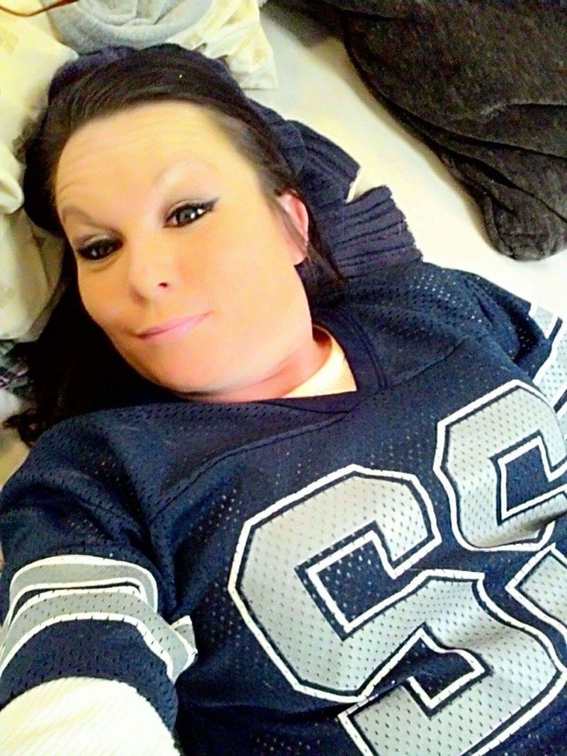 Dallas Cowboys Kinda Girl🏈 Love Portrait Music Is My Life Headshot Beauty Beautiful Woman Close-up Live Your Dreams Looking At Camera Young Women One Woman Only One Young Woman Only Texas Tornado 40 Is Awesome Texas Hurricain 100% Texan Baby Music Is Theropy You Will Be Whatever U Want Batman Love Me Sunglasses Woman Live Life To The Fullest Dream Big