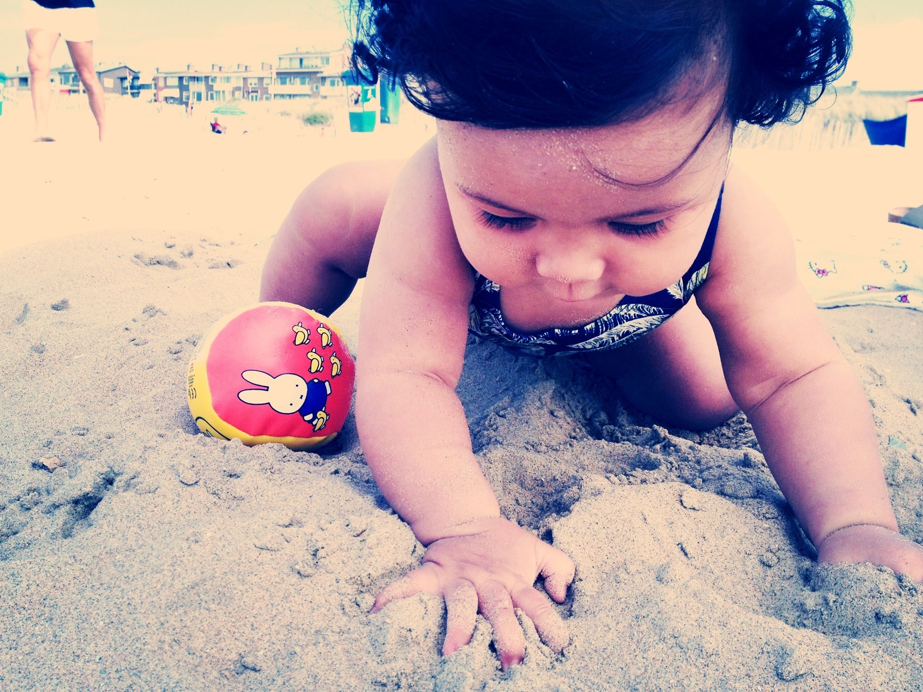 childhood, elementary age, beach, sand, leisure activity, girls, lifestyles, innocence, boys, playful, person, playing, cute, fun, enjoyment, happiness, portrait, shore