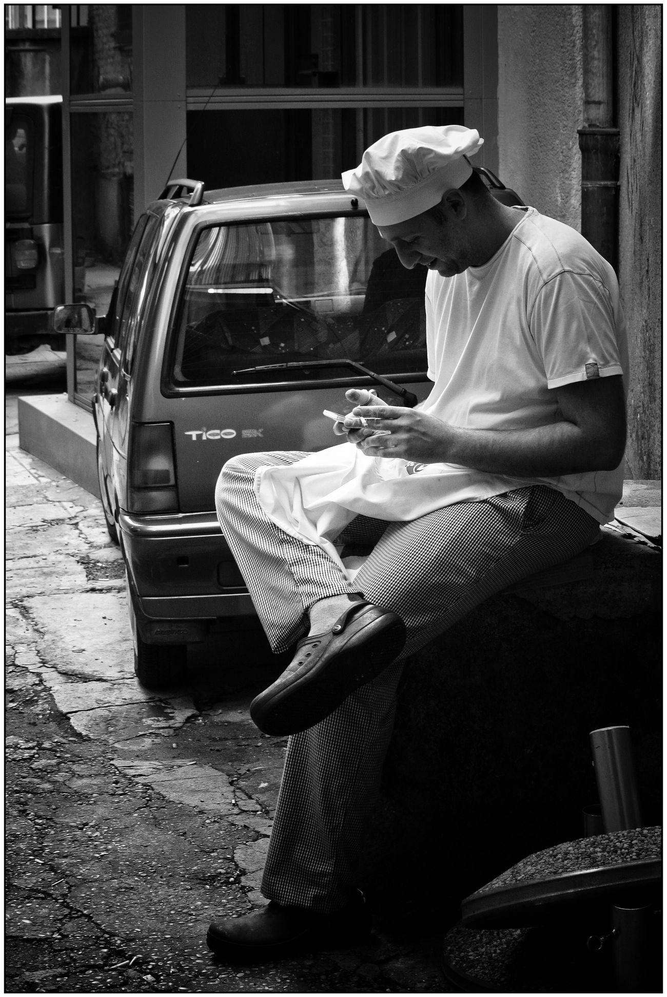 break Nikon 1 V1 Blackandwhite Monochrome One Person Streetphotography Street Photography Streetphoto_bw B&w Street Photography