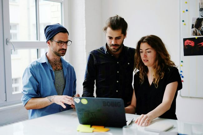 Young Adult Indoors  Friendship Casual Clothing Togetherness Beautiful People Wireless Technology Technology Office Business Place Of Work Corporate Business Teamwork Startup