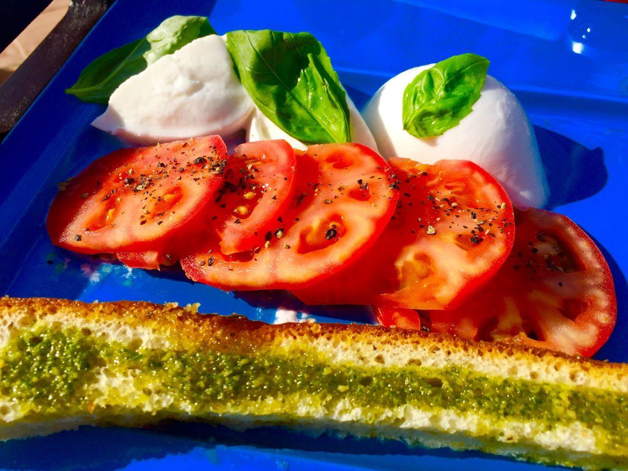Tomato & monzarella salad Lunch Food Salad Tomato Monzarella Food Porn Shagrilaresidence Abudhabi Abu Dhabi United Arab Emirates