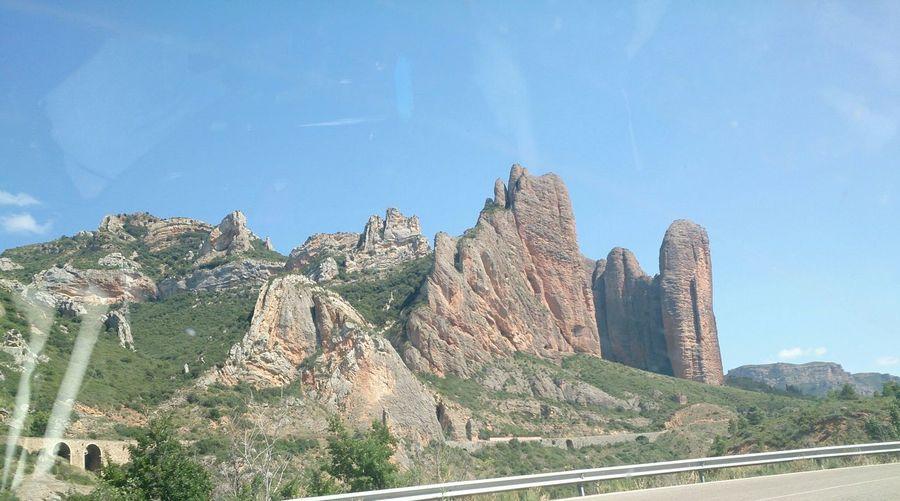 Un vista de los Mayos De Riglos en Huesca