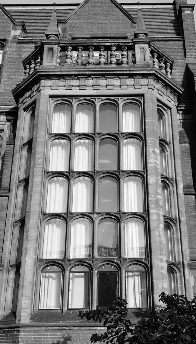 Architecture Built Structure Building Exterior Window Low Angle View Façade Arch Day History Outdoors Famous Place No People Architectural Column Architectural Feature Urbanexploration This Week On Eye Em Building Story Mobilephotography Huaweiphotography Façade Architecture City Life Newcastleupontyne