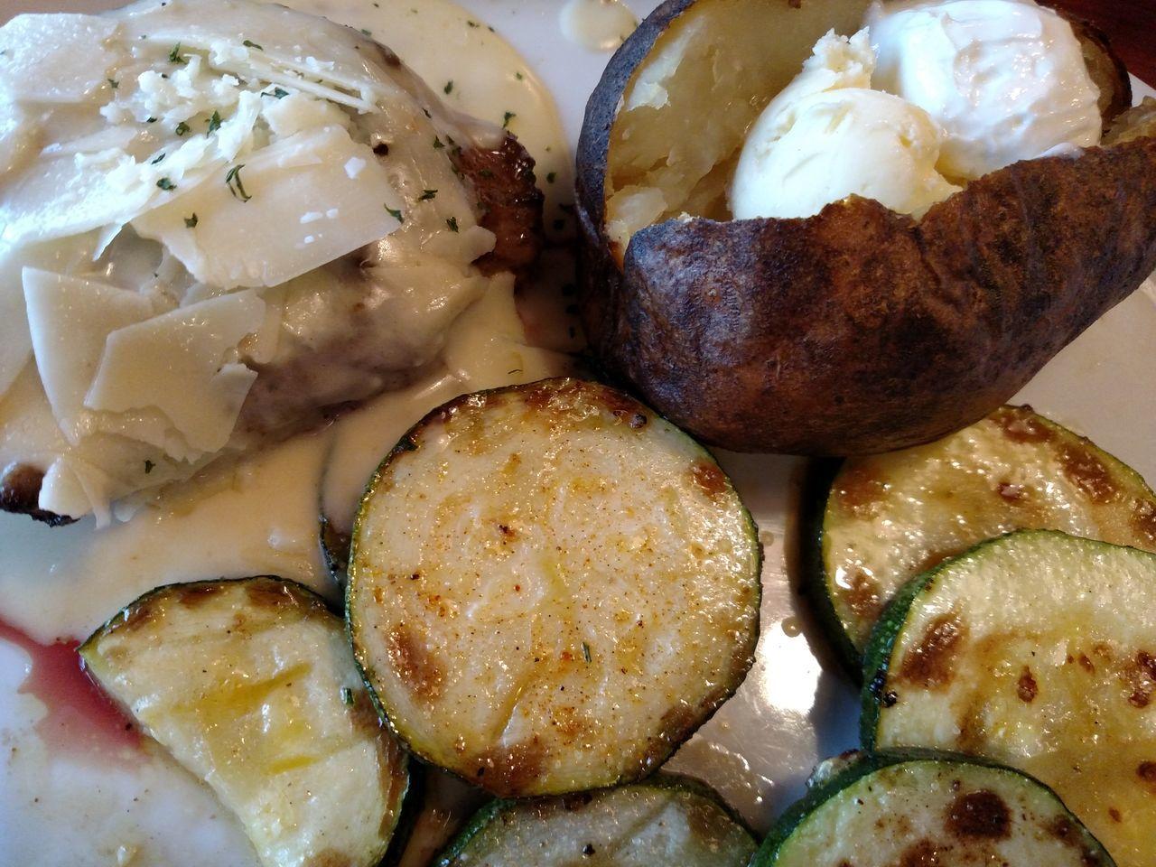 Food Photography Food Porn Eyeem Dinner Club Steak Dinner Asiago Steak Baked Potato Grilled Zucchini Zucchini Whats For Dinner? Bon Appetite Food Food Presentation