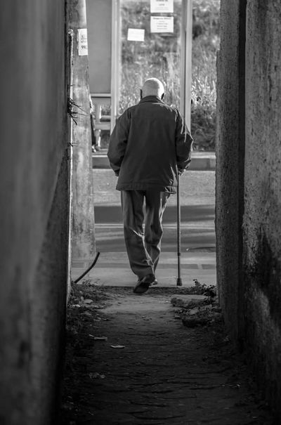 old Life Men Walkway